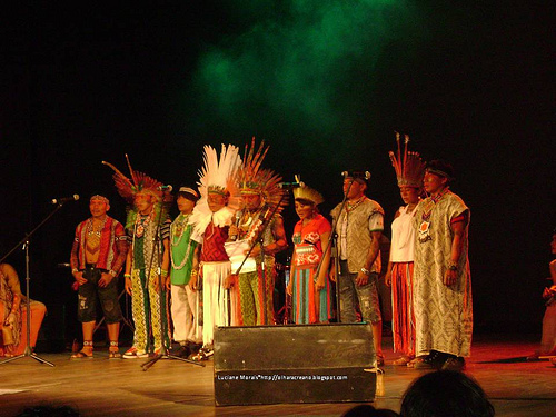 """Show """"Cantos da Floresta"""", do grupo Mawaca"""